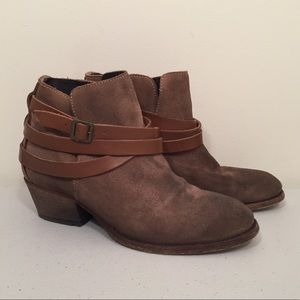 H By Hudson Horrigan Suede Beige Boot Size 38